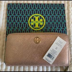 Tory Burch Robinson Wallet